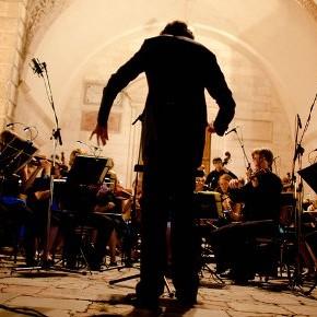 Glac páirt sa cheolfhoireann / Join the orchestra!